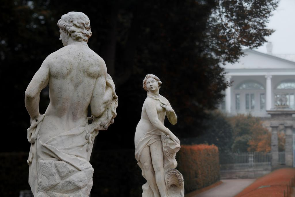 "Statues of ""Persej"" and ""Andromeda"" in the Catherine Park, 1710-1720"